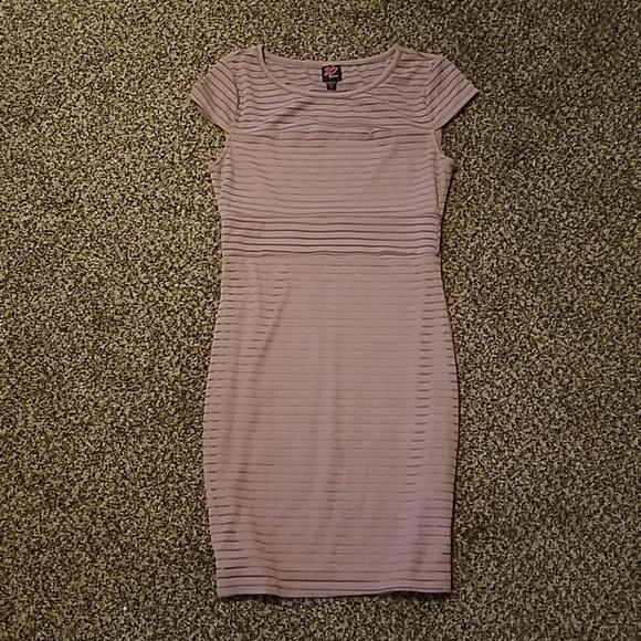d462954d59bc8 bebe Dresses & Skirts - 2B bebe Gypsy Rose Bodycon Dress